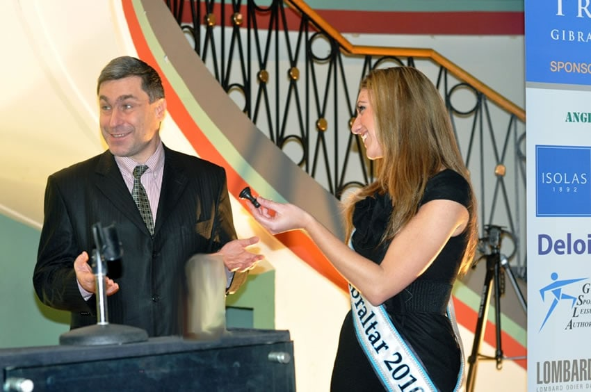 opening-ceremony-ivanchuk-and-miss-gibraltar